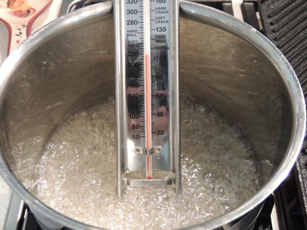 Bubbling sugar