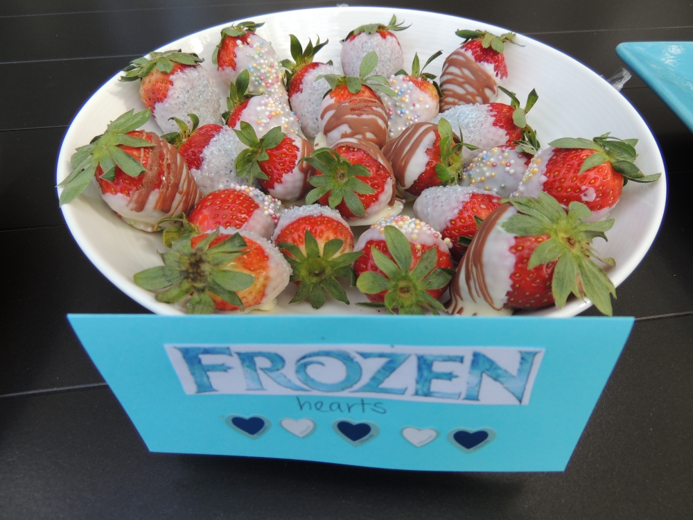 Frozen hearts - white chocolate coated strawberries