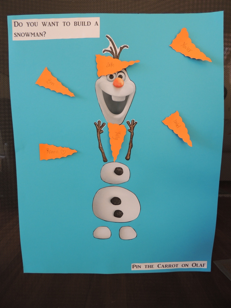 Pin the carrot on Olaf
