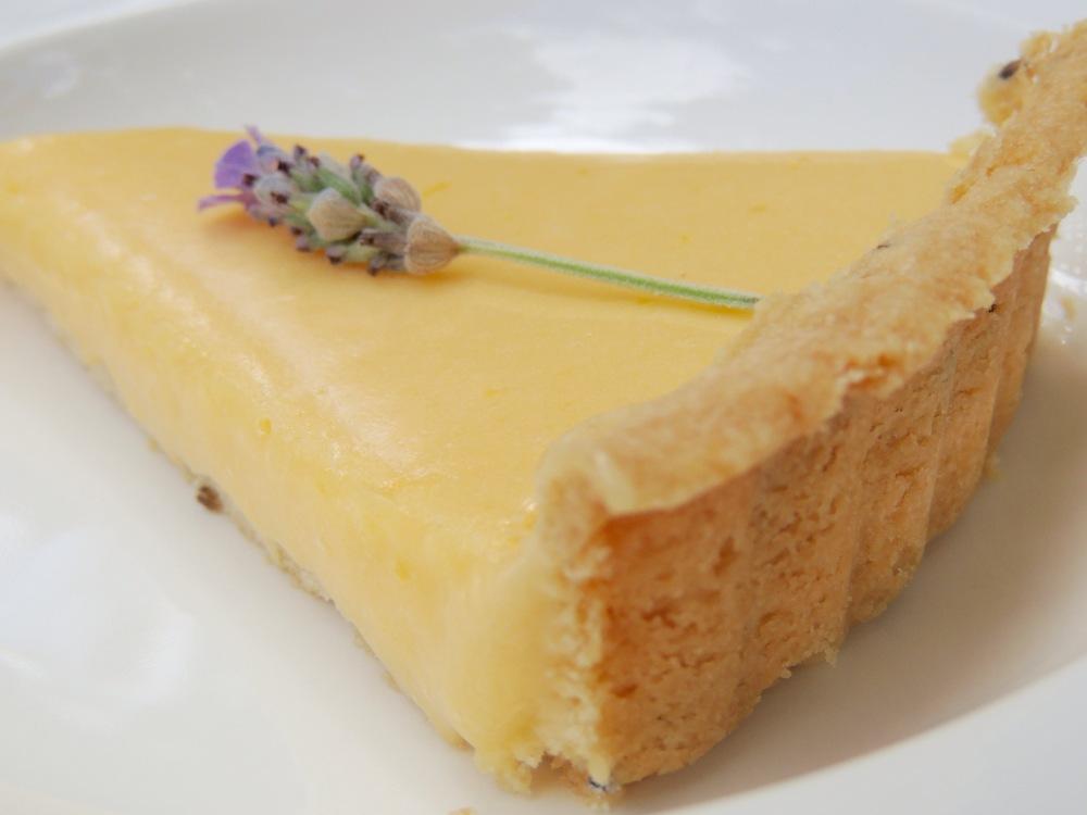 Combination Lemon And Twikle Cake